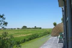 Appartement terras richting amstelmeer